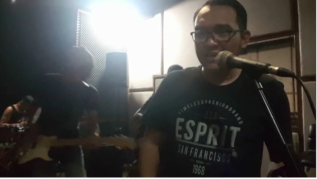 "Spicy Chocolate Band : Video Teaser ""Sebelum"""